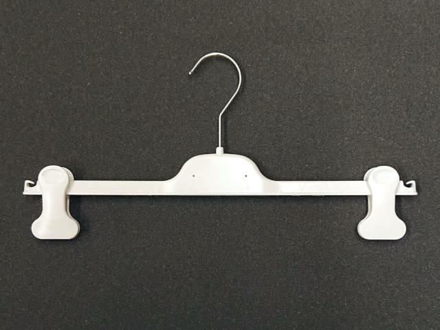 Klammernbügel in Weiss auf Kunststoff