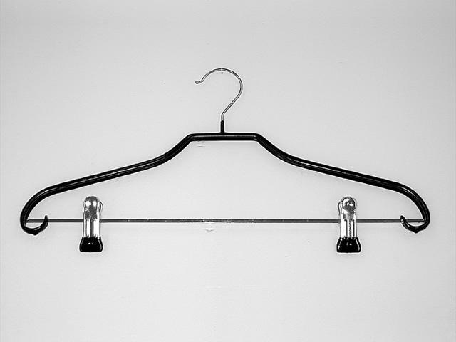 Kleiderbügel mit Klammern beschichtet