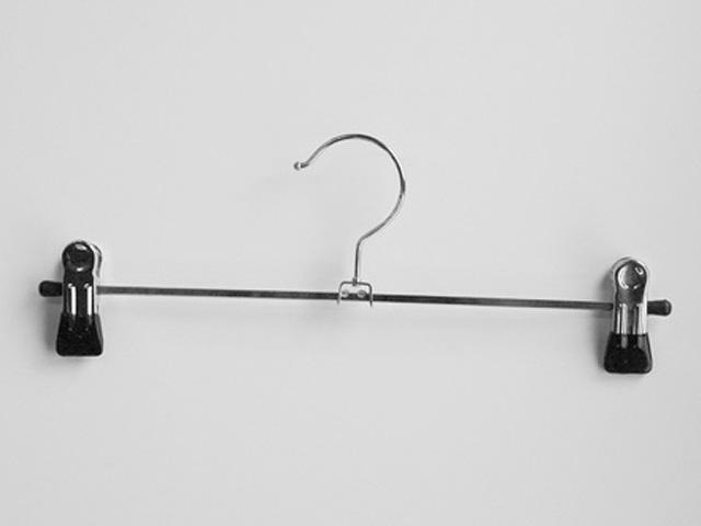 Hosenkleiderbügel mit Klammern